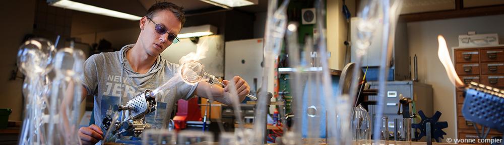 voor de website van Topselect foto's van Barend-Jan, glasblazer