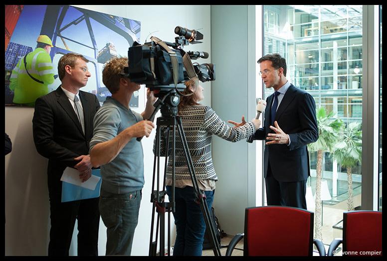 opening nieuw kantoor van de Europese Investeringsbank in Amsterdam met PM Rutte
