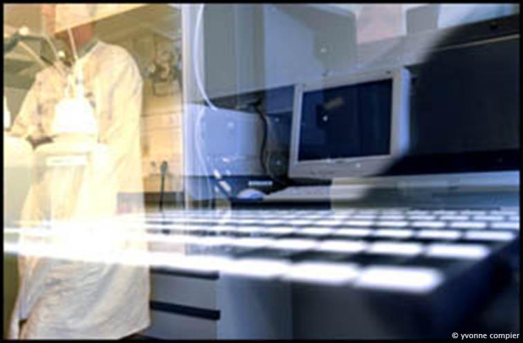 09-07-02-robot-micro-arrays-kleur