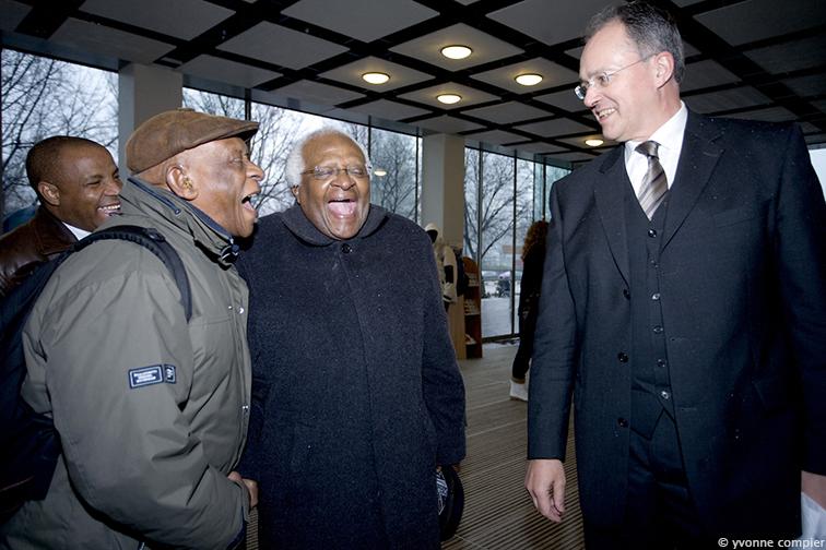 FSW, Tutu bezoekt Vu voor lezing en ontmoeting mensen en oude vriend