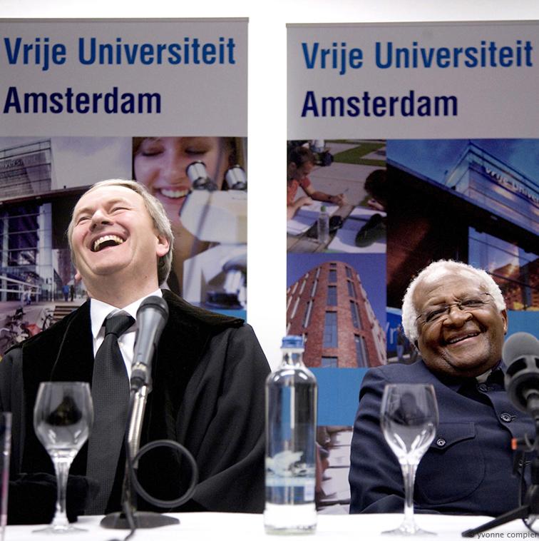 FSW, Tutu bezoekt Vu voor lezing en ontmoeting mensen, perconverentie