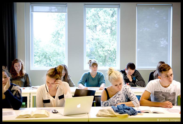 foto's van college in het intitium,detentie-recht